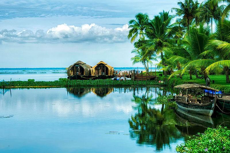Alleppey Houseboat Backwaters