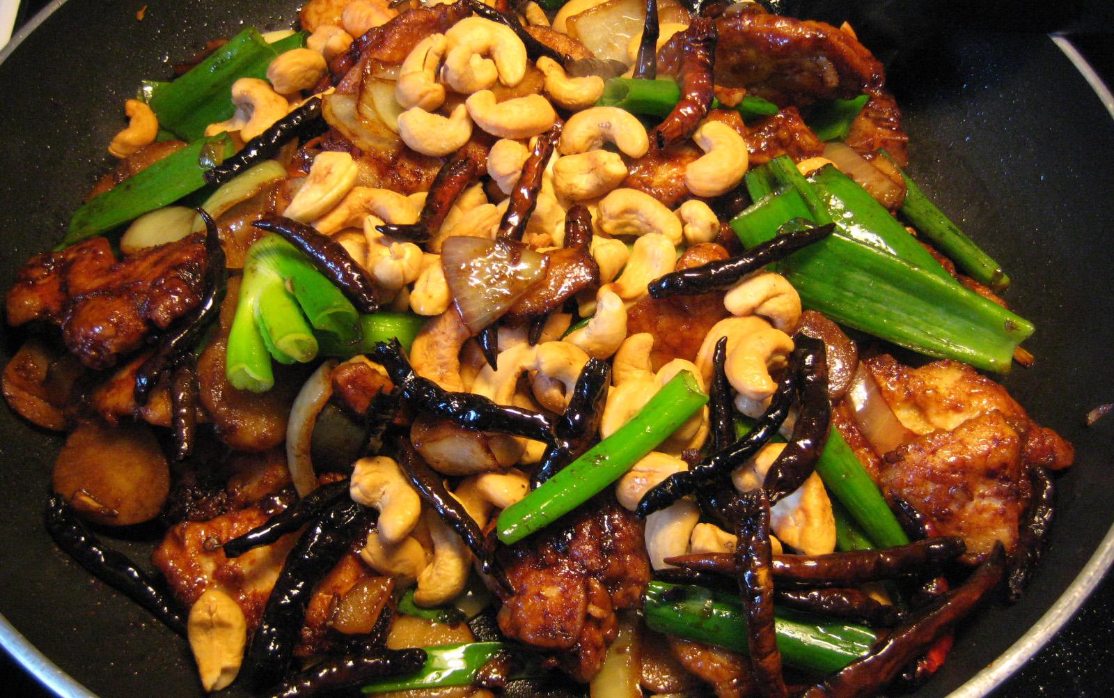 Kai Med Ma Muang Thai Food