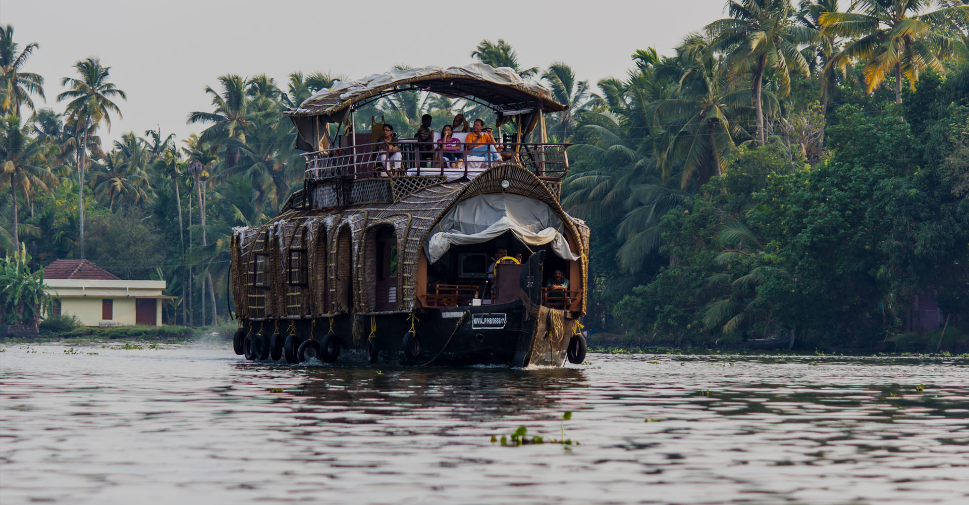 Alleppey – Beaches, Backwaters and Houseboats